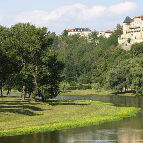 location tpe Clermont Ferrand et dans le Puy de Dôme